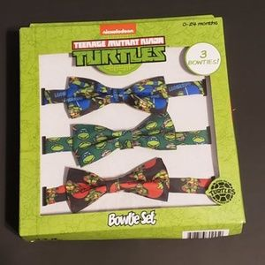 🙂Brand New with Tag - TMNT Bow Ties - 0-24 months